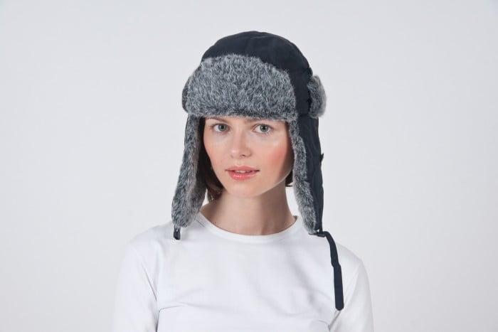 Ciepła czapka damska - blog - RAVEN, czapki zimowe z haftem lub nadrukiem